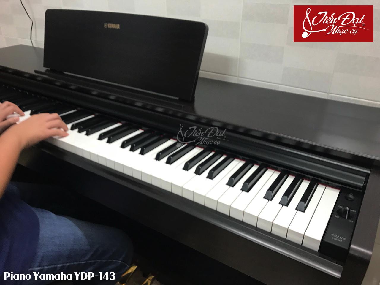 piano i n yamaha ydp 143 piano i n gi r mua h n i. Black Bedroom Furniture Sets. Home Design Ideas