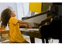 Học chơi đàn piano Yamaha – Đâu là cấp độ bạn mong muốn?